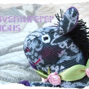 Lucius a csacsi - szamár rózsával (Blackata) - Meska.hu