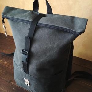 COOK hátizsák, sötétszürke, Táska & Tok, Hátizsák, Roll top hátizsák, Bőrművesség, Varrás, Strapabíró viaszolt vászonból készült, ami, azon kívül, hogy erősebbé és ellenállóbbá teszi a táskád..., Meska