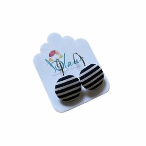 franciakapcsos gombfülbevaló, Ékszer, Fülbevaló, Lógós fülbevaló,  A termék megnevezése: Gomb fülbevaló.    Színei:   Mérete: a gomb átmérője 1,6 cm  Nikkelmentes fül..., Meska