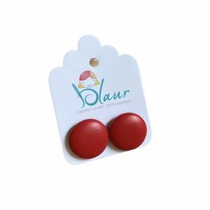 Piros Bedugós textilbőr gombfülbevaló, Ékszer, Fülbevaló, Pötty fülbevaló, A termék megnevezése: Gomb fülbevaló.    Színei:   Mérete: a gomb átmérője 1,6 cm  Nikkelmentes fülb..., Meska