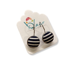 Kék csíkos franciakapcsos acél alapú gombfülbevaló, Ékszer, Fülbevaló, Lógós fülbevaló, A termék megnevezése: Gomb fülbevaló.    Színei:   Mérete: a gomb átmérője 1,2cm  Acél fülbevaló ala..., Meska