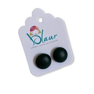 Zöld Bedugós textilbőr gombfülbevaló nikkelmentes mini, Ékszer, Fülbevaló, Pötty fülbevaló, A termék megnevezése: Gomb fülbevaló.    Színei:  Mérete: a gomb átmérője 1,2 cm  Termék leírás: A f..., Meska