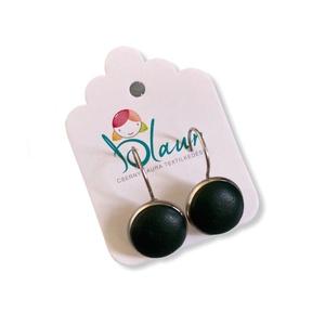 Zöld színű franciakapcsos acél alapú gombfülbevaló, Ékszer, Fülbevaló, Lógós fülbevaló, A termék megnevezése: Gomb fülbevaló.    Színei:   Mérete: a gomb átmérője 1,2cm  Acél fülbevaló ala..., Meska