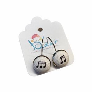 Hangjegyes franciakapcsos gombfülbevaló, Ékszer, Fülbevaló, Lógó fülbevaló, A termék megnevezése: Gomb fülbevaló.    Mérete: a gomb átmérője 1,2cm  Termék leírás: A fülbevalók ..., Meska