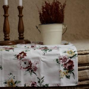 Lady Rose - vintage pamut textil szalvéta, kis terítő rózsákkal, Otthon & Lakás, Konyhafelszerelés, Szalvéta, Varrás, Hímzés, Lepd meg Édesanyádat, a Nagyit és a Dédit egy barackvirág - marsala színű rózsás, romantikus textils..., Meska