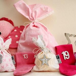 INGYEN POSTA! PINK, rózsaszín királylányos ADVENTI kalendárium, naptár kislányoknak, Otthon & Lakás, Karácsony & Mikulás, Adventi naptár, Varrás, INGYEN POSTA!\nLepd meg Kislányodat ezzel az igazán lányos, rózsaszín fehér ezüst adventi naptárral!\n..., Meska