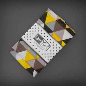 2021 ÉV SZÍNEI textil szalvéta - 2 db - szürke és sárga háromszögek, Otthon & Lakás, Konyhafelszerelés, Szalvéta, Festett tárgyak, Varrás, Az idei év színei:), geometrikus formákban! Azoknak készítettem, akiknek a design különösen fontos. ..., Meska