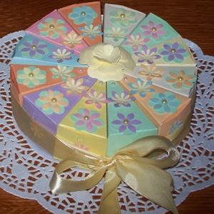 Pénzajándék átadó torta - szivárványos mini, Esküvő, Nászajándék, Esküvői dekoráció, Papírművészet, Szülinapra, névnapra, ballagásra, nászajándék átadására, bármilyen alkalomra érdekes meglepetés. 15 ..., Meska
