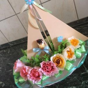 Csokicsokor- hajó, 12 szál rózsából, Csokor & Virágdísz, Dekoráció, Otthon & Lakás, Papírművészet, Magyarországon még nem elterjedt, egyedülálló technikával készült romantikus csokicsokor. A virágáru..., Meska