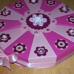 Pénzajándék átadó torta nagy - Mia és én, Dekoráció, Otthon & lakás, Ünnepi dekoráció, Gyereknap, Papírművészet, Mesés 12 szeletes, 25 cm átmérőjű  party torta pink - rózsaszín gyöngyházfényű alapkartonon, glitter..., Meska
