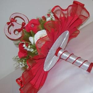 Csokicsokor - piros-fehér, Csokor & Virágdísz, Dekoráció, Otthon & Lakás, Papírművészet, 60. születésnapra készült csokicsokor Raffaellóval, 15 szál piros és fehér rózsából. \nMagyarországon..., Meska