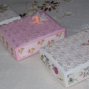 Díszdoboz, Doboz, Emlék & Ajándék, Esküvő, Papírművészet, Elegáns,  romantikus 11 x 9 x 3 cm-es díszdobozok gyöngyházfényű kartonból, áttört csipke mintával, ..., Meska