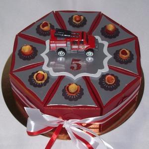 Tűzoltó  torta gyerekeknek születésnapra, Játék & Gyerek, Papírművészet, Piros-ezüst összeállításban készült  készült születésnapi torta tűzoltó autóért rajongó gyermeknek, ..., Meska