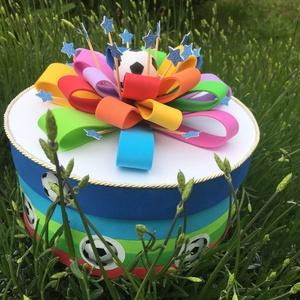 Focis kínáló torta ovis szülinapra, Játék & Gyerek, Babalátogató ajándékcsomag, Papírművészet, Kisfiúk születésnapjára, névnapjára, babazsúrra, babalátogató ajándékok csomagolására, ovis szülinap..., Meska