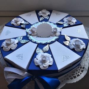 Pénzajándék átadó torta, királykék, fehér , ezüst, Esküvő, Emlék & Ajándék, Nászajándék, Papírművészet, Nászajándék átadására rendelt királykék-fehér színösszeállítású, 25 cm -es átmérőjű gyöngyházkartonb..., Meska