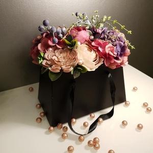 Virágos éjszaka nagyméretű virágbox, Otthon & lakás, Dekoráció, Dísz, Csokor, Ünnepi dekoráció, Szerelmeseknek, Virágkötés, Fekete papírboxba kerültek élethű műnövények, virágok, pozsgások és bogyók, melyeket gyönggyel díszí..., Meska