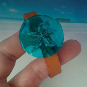 A tenger morajlása natúr bőr és gyanta karkötő (blueklarion) - Meska.hu