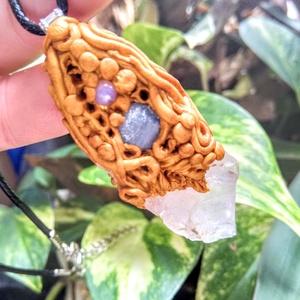 Hegyi kristály amulett kyanit drágakő és opál ásvány kristályokkal (blueklarion) - Meska.hu