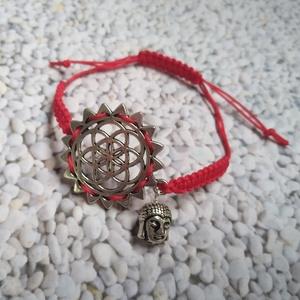 Védelmező élet virága csúszókötéses karkötő Buddha fejjel, Ékszer, Karkötő, Charm karkötő, Csomózás, Ékszerkészítés, Védelmező élet virága, állítható méretű, makramé technikával  csomózott, csúszókötéses karkötő Buddh..., Meska