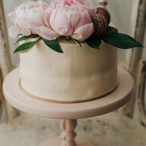 Nosztalgia tortatál - sütis kínálótál esküvőre vagy babafotózásra, Tálalás, Dekoráció, Esküvő, Festett tárgyak, Famegmunkálás, Kb.14-21 nap alatt készül el, készleten sosincs festett darab!\n\nMérete:\n15 magas, 24 cm-es a teteje ..., Meska