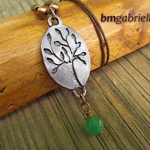 Életfa - egyedi tervezésű kézműves medál - fa medál, nyaklánc, Medálos nyaklánc, Nyaklánc, Ékszer, Ékszerkészítés, Ötvös, Ovális alapon kézzel fűrészelt fa, nyújtózó tavaszi ágakkal, levelekkel. A fa az élet, a megújulás s..., Meska