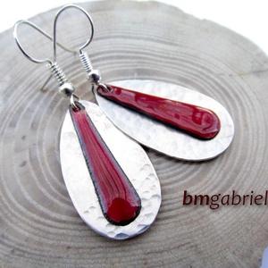 Cseppben a csepp - borvörös tűzzománc és ezüstözött fülbevaló, egyedi tervezésű ékszer (bmgabriella) - Meska.hu