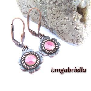 Virág - egyedi tervezésű kézműves fülbevaló - tűzzománc fülbevaló  , Ékszer, Fülbevaló, Ötvös, Tűzzománc, Egyedi tervezésű nyolcszirmú virág fülbevaló, közepén rózsaszín tűzzománccal, hátulján mesterjel.\nA ..., Meska