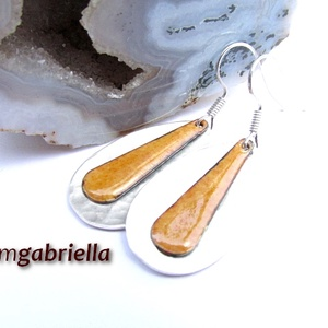 Cseppben a csepp - okkersárga tűzzománc és ezüstözött fülbevaló, egyedi tervezésű ékszer - ékszer - fülbevaló - lógó csepp fülbevaló - Meska.hu