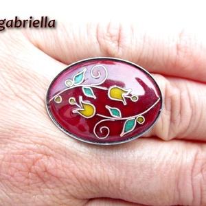 Ölelkezők - tűzzománc és nemesacél gyűrű - egyedi kézműves ékszer - ovális tulipán gyűrű, Ékszer, Gyűrű, Figurális gyűrű, Ötvös, Tűzzománc, Enyhén domborított vörösréz alapra égetett, finom bordó ékszerzománc nemesacél foglalatban. A különl..., Meska