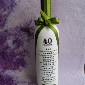Díszített italos üveg, egyedi felirattal, Otthon & Lakás, Díszüveg, Dekoráció, A termék minden esetben egyedi igények szerint készül. Kérhető bármilyen üvegre, más színben, egyéni..., Meska
