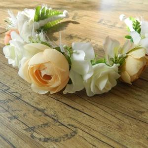 Esküvői fejkoszorú, Esküvő, Fejkoszorú, Hajdísz, Minőségi selyemvirágokból készült fejkoszorú esküvőre, menyasszonynak, koszorúslányoknak.  Hátul sza..., Meska