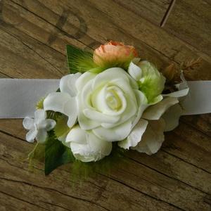 Esküvői csuklódísz, Esküvő, Hajdísz, ruhadísz, Esküvői csuklódísz menyasszonynak vagy koszorúslányoknak. Szatén szalagon, minőségi selyemvirágok cs..., Meska
