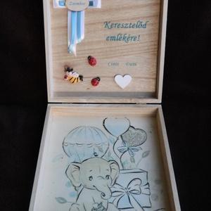 Emlékdoboz keresztelőre (kisfiúnak), Gyerek & játék, Egyéb, Gyerekszoba, 20x20 cm-es, fa doboz külső és belső felületére, transzfertechnikával készült, a megrendelő által ki..., Meska