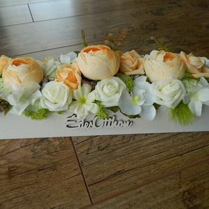 Selyemvirág asztaldísz, Otthon & lakás, Lakberendezés, Asztaldísz, 40x12 cm-es, fa dobozba prémium minőségű selyemvirágok kerülnek, a kiválasztott színben. Ajándéknak,..., Meska