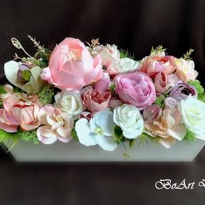 Pasztell virágdoboz, asztaldísz, Otthon & Lakás, Csokor & Virágdísz, Dekoráció, 12x25 cm-es fa dobozba készülő asztaldísz, ajándék virágdoboz, prémium minőségű selyemvirágokkal! Má..., Meska