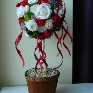 Virágfa ajándékba, Anyák Napjára, ballagásra vagy lakásdekornak, Otthon & Lakás, Csokor & Virágdísz, Dekoráció, 40 cm magas virágfa, selyemvirág és száraz termések kompozíciója kerámia kaspóban.  A virággömb 14 c..., Meska