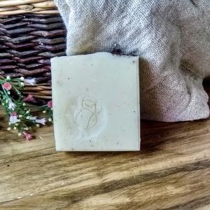 Natúr Rózsa - rózsaolajos szappan száraz bőrre 110g, Szépségápolás, Szappan & Fürdés, Szappan, Szappankészítés, Natúr Rózsa szappan  110g\nVegán termék\n\nNatúr Rózsa szappanunk kifejezetten érzékeny és szárazságra ..., Meska