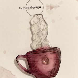Egy bögre tea kitűző - rózsaszín, Ékszer, Kitűző & Bross, Kitűző, Ékszerkészítés, Zsugorka, Kézzel rajzolt gőzölgő teás/kávés bögre rózsaszín színben.\n\nMérete kb.4,5x3cm, Meska