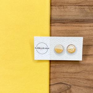Natur pastell fülbevaló - sárga, Ékszer, Fülbevaló, Pötty fülbevaló, A Natur Pastell kollekció lényege az egyszerű fa textúra pasztell színekkel kombinálva az egyszerűsé..., Meska