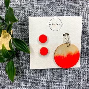 Geoda ékszer szett - Piros, Ékszer, Ékszerszett, A Geoda ékszer szett egy pár fülbevalót és egy nyakláncot tartalmaz a fülbevalókhoz passzoló színben..., Meska