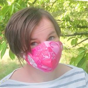Szűrőbetétes maszk, pink indás, Táska, Divat & Szépség, Szépség(ápolás), Egészségmegőrzés, Maszk, szájmaszk, Varrás, Az általam készített maszk különlegessége, hogy a szabásmintának, illetve egy speciális fém orrnyere..., Meska