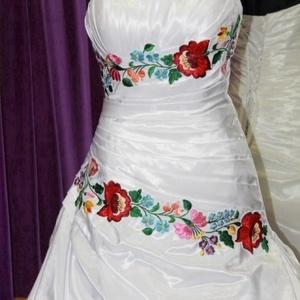 Kalocsai minta menyasszonyi ruhára /díszítősáv/, Esküvő, Ruha, Menyasszonyi ruha, Ha szeretnéd a menyasszonyi ruhádra ezt a gyönyörű felvarrhatós kalocsai mintát, akkor írjál üzenete..., Meska