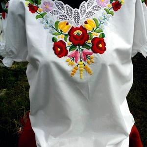 hagyományos  kalocsai  ingváll (hímzett ing) , Ruha & Divat, Női ruha, Blúz, Hímzés, Autentikus,   kézi  hímzéssel,   és  kicsi  riseliőzéssel   készült  kalocsai  mintás  hímzett blúz,..., Meska