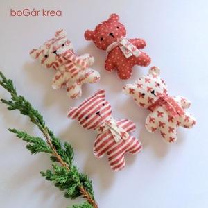 Piros mackók - 4 db - karácsonyi dísz, függeszthető dekoráció (boGarkrea) - Meska.hu