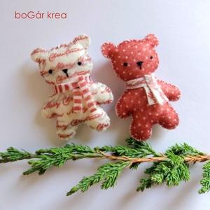 Piros mackók - pöttyös, mintás - 2 db - karácsonyi dísz, függeszthető dekoráció (boGarkrea) - Meska.hu