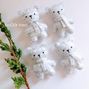 Jeges mackók - pöttyös, mintás - 4 db - karácsonyi dísz, függeszthető dekoráció, Karácsony & Mikulás, Karácsonyfadísz, A karácsonyi kollekció részeként készültek ezek a díszek.  Az általam megrajzolt figurát kézzel vágt..., Meska