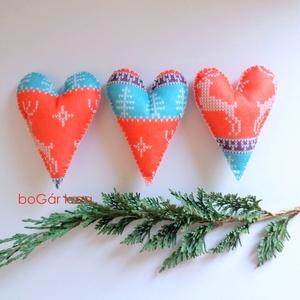Karácsonyi hosszúkás szív, norvég mintás - 3 db függeszthető dísz - Meska.hu
