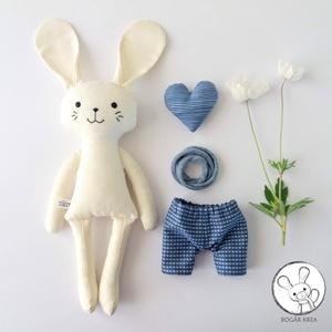 Hópehely, öltöztethető nyuszi fiú, kabala szívvel (boGarkrea) - Meska.hu