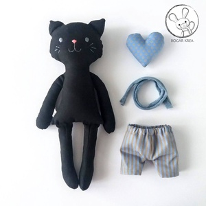 Vihar, öltöztethető fekete cica fiú, kabala szívvel (boGarkrea) - Meska.hu