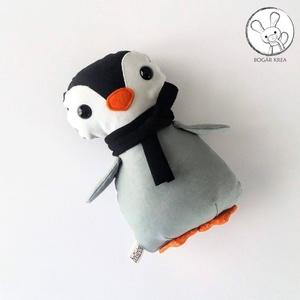 Pingvin bébi fekete sállal - textil figura - játék állat, Játék & Gyerek, Más figura, Plüssállat & Játékfigura, Minden darab egyedi, kézzel készült, így garantáltan nem lesz ilyen senki másnak! :)  Kiváló minőség..., Meska